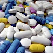"""ACTUALIDAD.-El-consejero-de-Sanidad-se-compromete-a-pagar-los-medicamentos-de-dispensación-hospitalaria-a-los-madrileños-""""pero-no-a-los-extranjeros"""".jpg"""