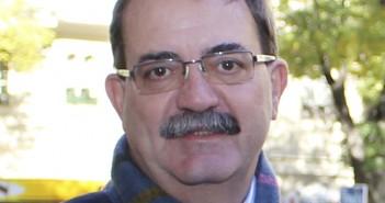 105 Manuel Molina 3x3 cm
