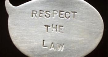 219 Respetar la ley 3x3 cm