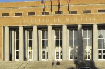 225 Facultad Medicina UCM 3x3 cm