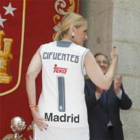 219 Cristina Cifuentes 3x3 cm